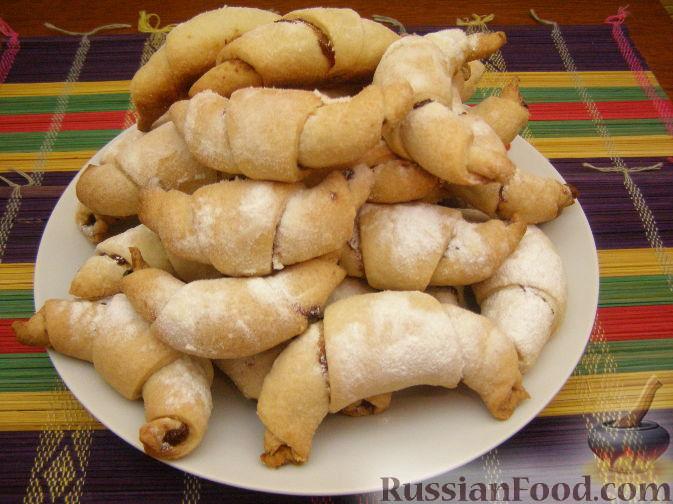 Рецепт рогаликов с повидлом на маргарине из нашей кухни
