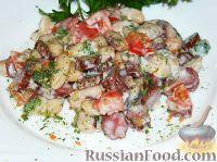 """Фото к рецепту: Салат с колбасой """"Охотничий"""""""