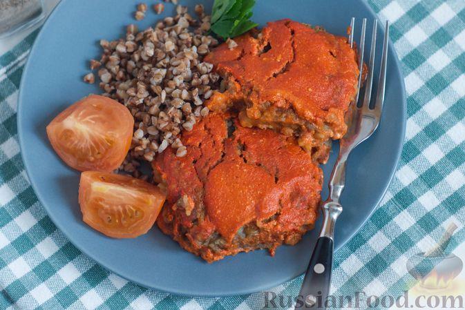 Фото приготовления рецепта: Куриный суп с помидорами и яйцами - шаг №4