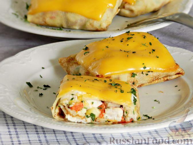 Фото приготовления рецепта: Салат из сельдерея с морковью и сыром - шаг №2