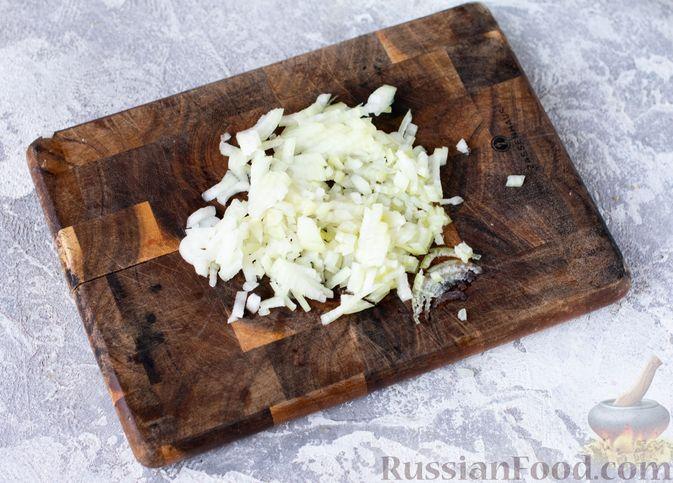 Фото приготовления рецепта: Салат с курицей, кускусом, нутом и сельдереем - шаг №8