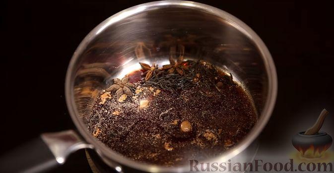 Фото приготовления рецепта: Сдобные булочки на мучной заварке, с вареньем - шаг №11
