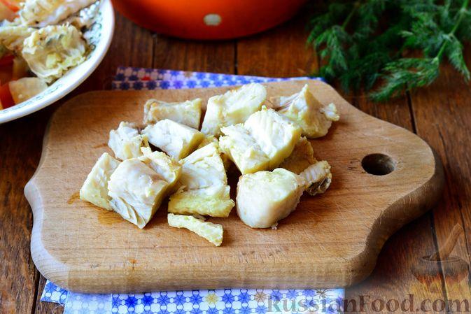 Фото приготовления рецепта: Конфеты из печенья, с финиками и грецкими орехами - шаг №4