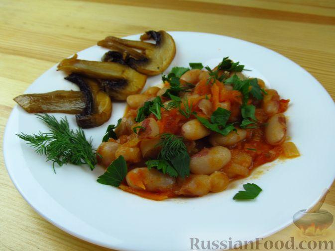 Фото приготовления рецепта: Жареная куриная печень с чесночно-соевым соусом - шаг №5