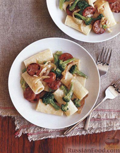 Рецепт Макароны с колбасой и брокколи