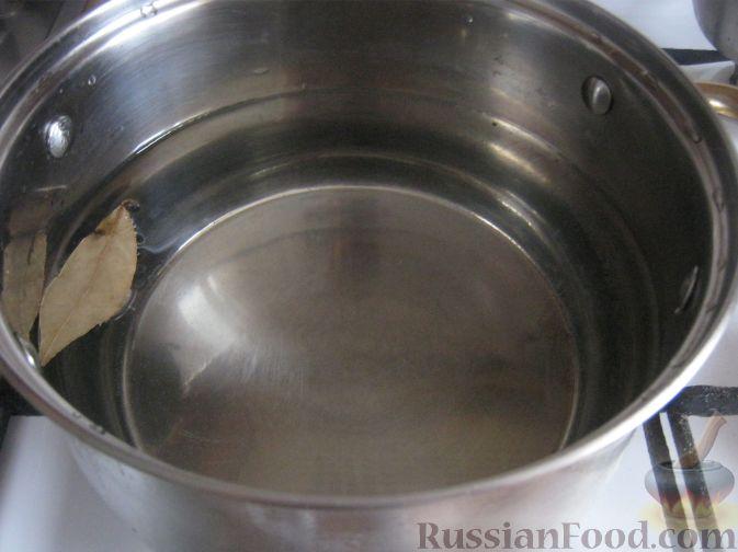 Фото приготовления рецепта: Сырный суп с сосисками - шаг №2