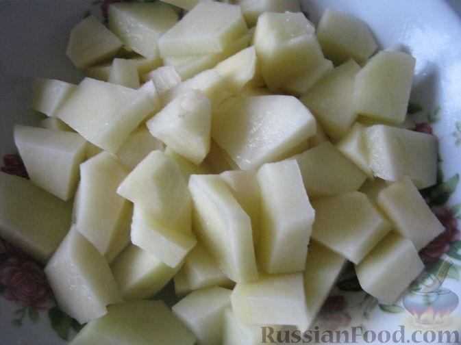Фото приготовления рецепта: Сырный суп с сосисками - шаг №3