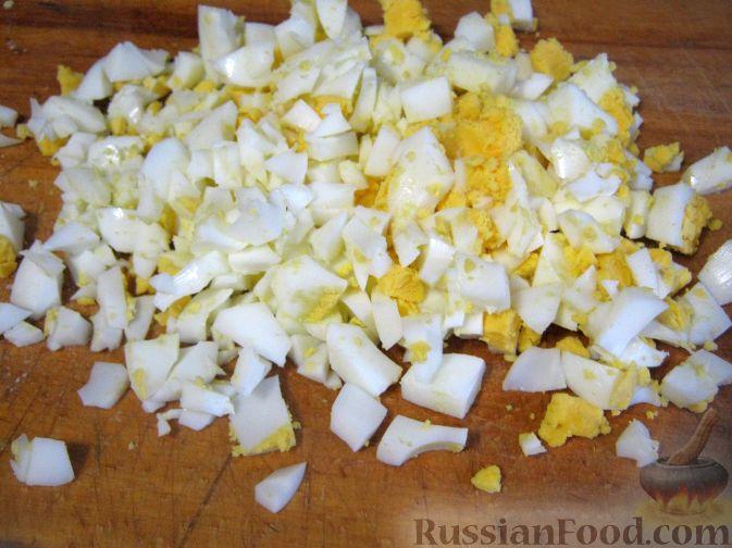 Фото приготовления рецепта: Салат мясной с яблоками и апельсинами - шаг №5
