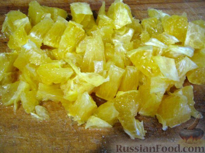 Фото приготовления рецепта: Салат мясной с яблоками и апельсинами - шаг №6