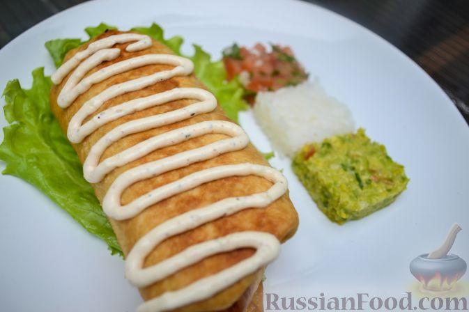 Рецепт Чимичанга (курица с овощами в пшеничной лепешке)