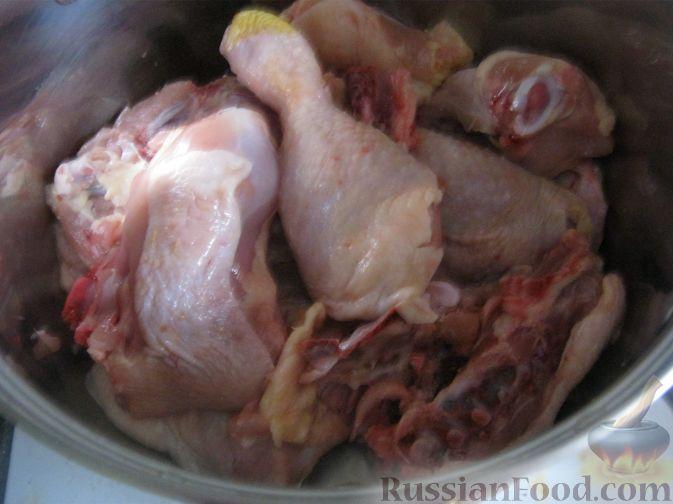 Фото приготовления рецепта: Куриный суп-лапша - шаг №2