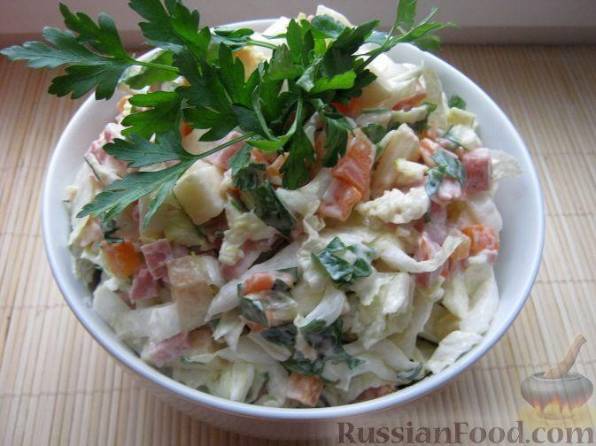 рецепт салатов с копченой колбасой и с капустой