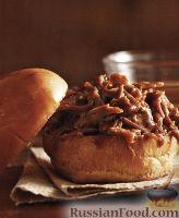 Фото к рецепту: Бургеры с тушеным мясом