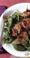Фото к рецепту: Теплый салат из свинины с грушей и клюквой