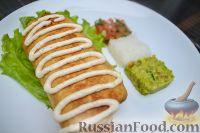 Фото к рецепту: Чимичанга (курица с овощами в пшеничной лепешке)