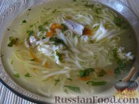 Фото к рецепту: Куриный суп-лапша