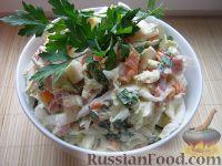 Фото к рецепту: Салат с копченой колбасой и капустой