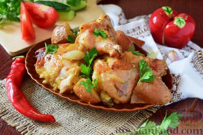 Фото приготовления рецепта: Салат с языком, огурцом и зелёным горошком - шаг №1