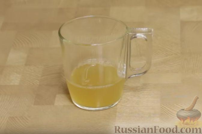 Фото приготовления рецепта: Вытяжное тесто фило в домашних условиях - шаг №11