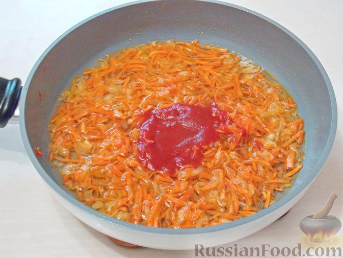 Фото приготовления рецепта: Рассольник с консервированной горбушей - шаг №7