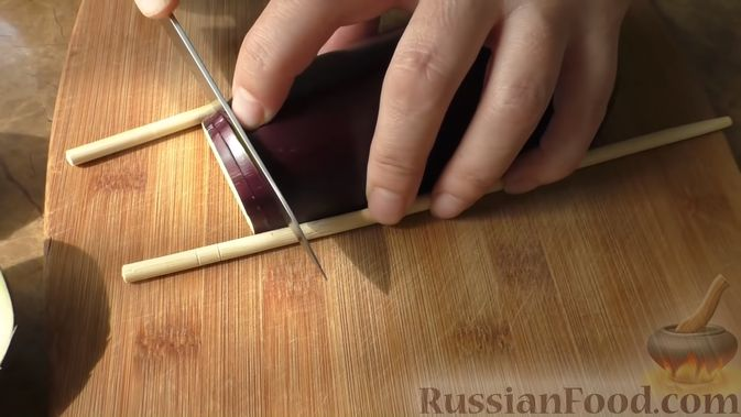 Фото приготовления рецепта: Морковно-яблочные оладьи с пшеном и манкой - шаг №6