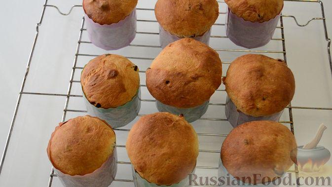 Фото приготовления рецепта: Торт из хлеба, со сметанным кремом и ананасами (без выпечки) - шаг №23