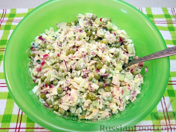 Фото приготовления рецепта: Запеканка из йогурта с ягодами - шаг №4