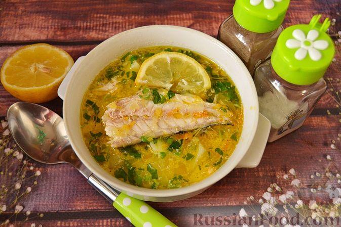 Фото приготовления рецепта: Суп из скумбрии с картофелем и рисом - шаг №17