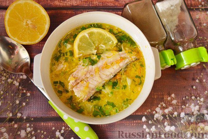 Фото приготовления рецепта: Суп из скумбрии с картофелем и рисом - шаг №18