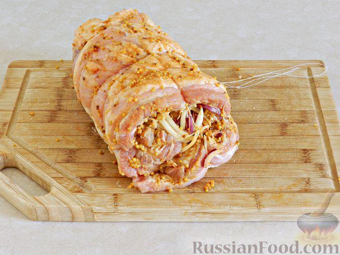 Фото приготовления рецепта: Рулет из лаваша с сельдью, свёклой, морковью и картофелем - шаг №9