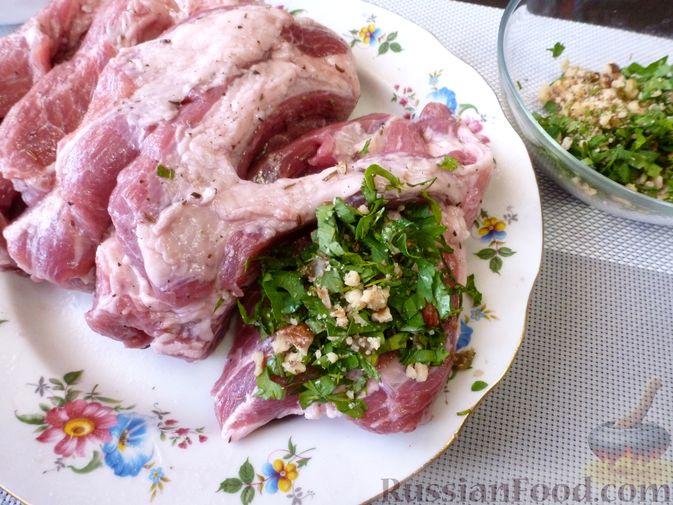 """Фото приготовления рецепта: Буженина """"Мясное ассорти"""" (из свинины, говядины и курицы) - шаг №11"""