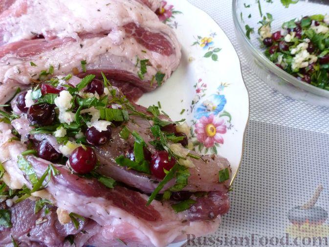 """Фото приготовления рецепта: Буженина """"Мясное ассорти"""" (из свинины, говядины и курицы) - шаг №16"""