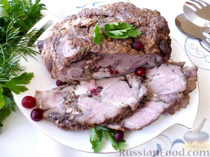 """Фото приготовления рецепта: Буженина """"Мясное ассорти"""" (из свинины, говядины и курицы) - шаг №21"""