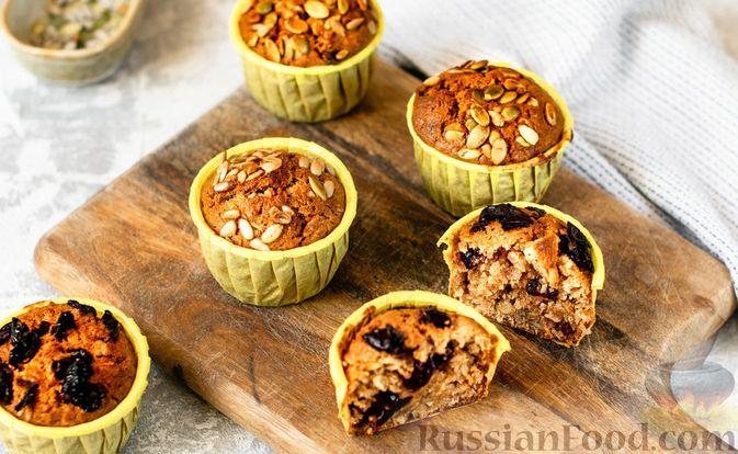 Фото к рецепту: Овсяные кексы с семечками и клюквой