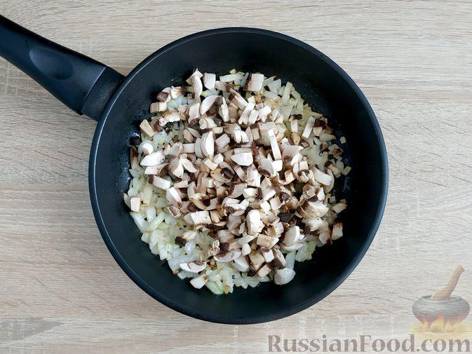 Фото приготовления рецепта: Слоёный салат с говядиной, картофелем, морковью и кукурузой - шаг №15