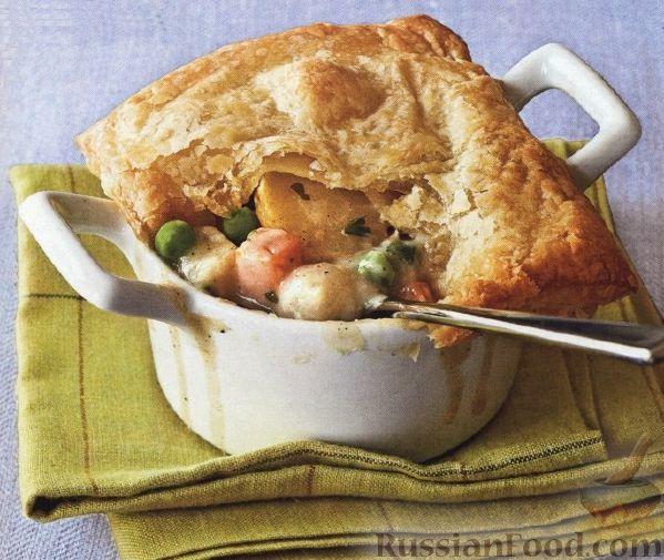 Рецепт Курица и овощи, запеченные в соусе под слоеным тестом