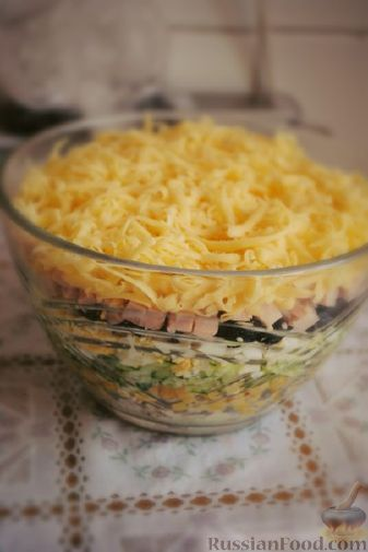 Рецепт Яркий салат с черносливом