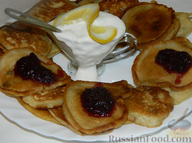 Рецепт Оладьи на молоке с изюмом