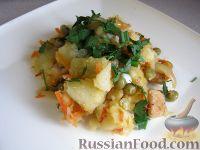 Фото к рецепту: Рагу с куриным филе и горошком