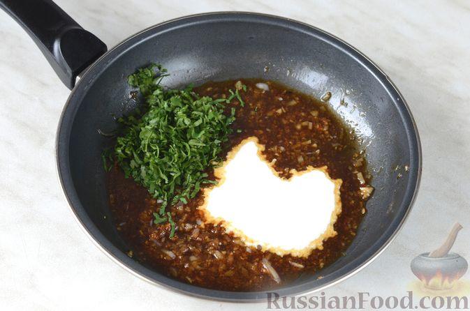 Фото приготовления рецепта: Макароны с фаршем и сладким перцем в томатном соусе - шаг №3