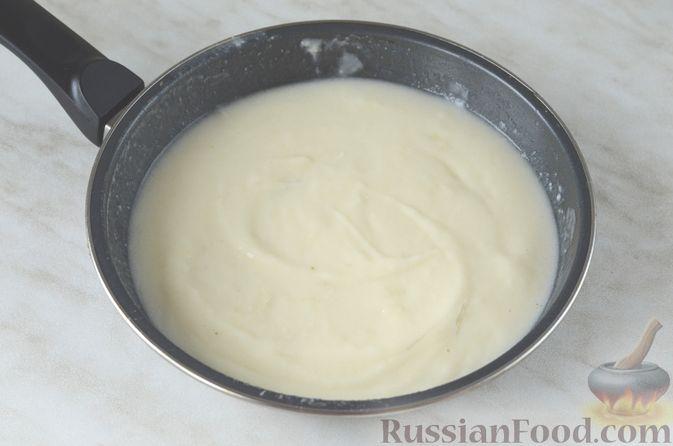 Фото приготовления рецепта: Цветная капуста в чесночном соусе, запечённая под сыром - шаг №8