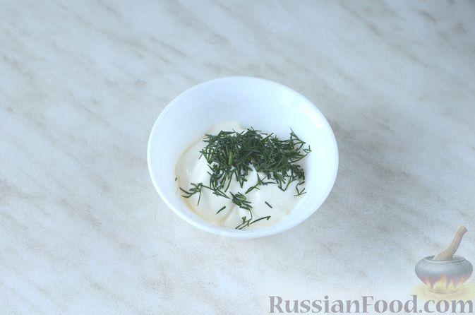 Фото приготовления рецепта: Цветная капуста в чесночном соусе, запечённая под сыром - шаг №16