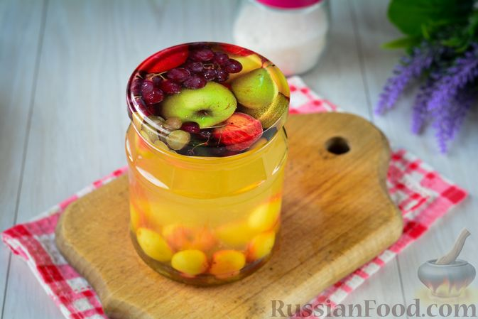 Фото приготовления рецепта: Компот из жёлтой черешни на зиму - шаг №9