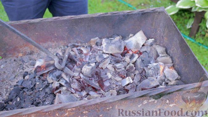 Фото приготовления рецепта: Картошка, тушенная с квашеной капустой - шаг №2