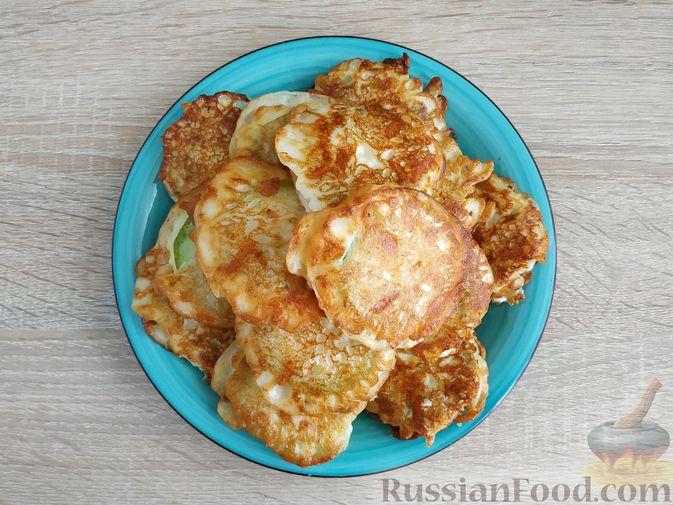 Фото приготовления рецепта: Овощной суп с помидорами, шампиньонами и кукурузой - шаг №5