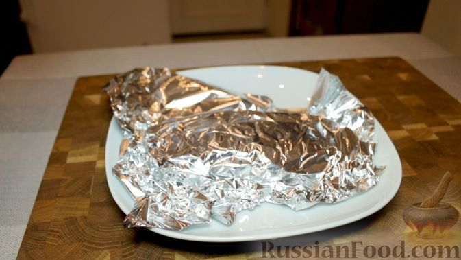 Фото приготовления рецепта: Яблочный тарт с заварным кремом и ореховой корочкой - шаг №17