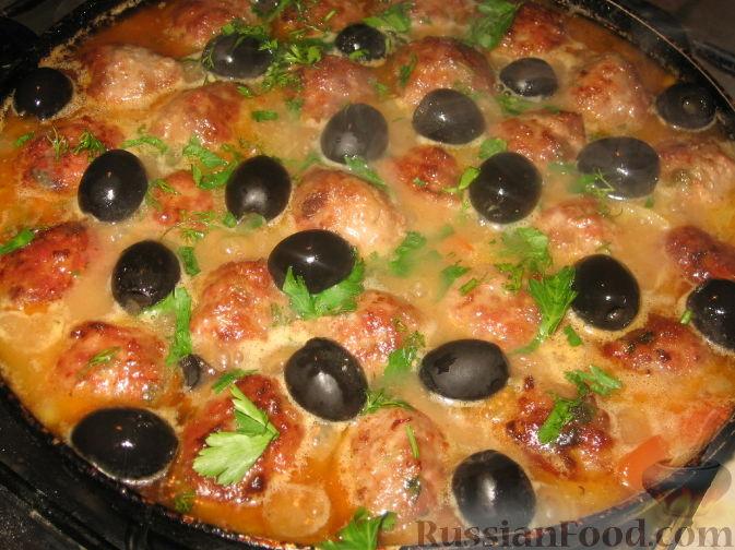 Фото приготовления рецепта: Куриный суп с зелеными помидорами и капустой - шаг №4