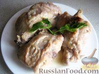 Фото к рецепту: Кролик в сметанно-чесночном соусе