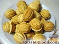 """Фото к рецепту: Печенье """"Орешки"""" с заварным кремом"""