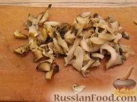 Фото приготовления рецепта: Салат ассорти из морепродуктов - шаг №12
